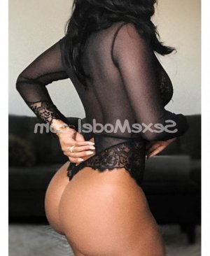 Tiffanny escort girl à Bastia