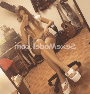 Andreane massage tantrique